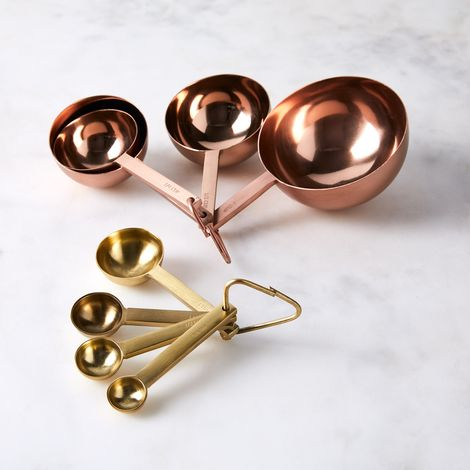 Modern Round Measuring Cups & Spoons