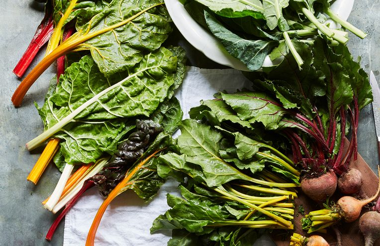 """A Trick to """"Blanch"""" Your Greens Without a Pot"""