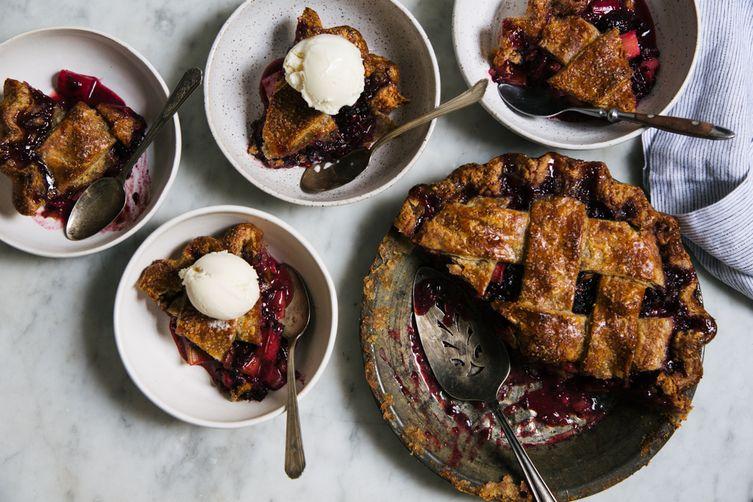 Blackberry Rhubarb Pie