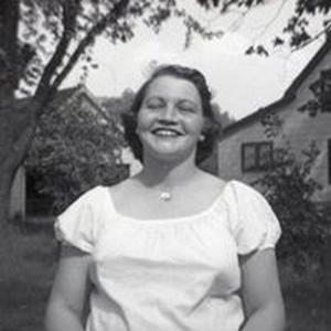 Betsy Lynn