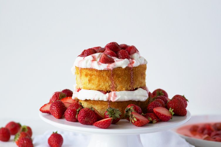 Maple Strawberry Cake