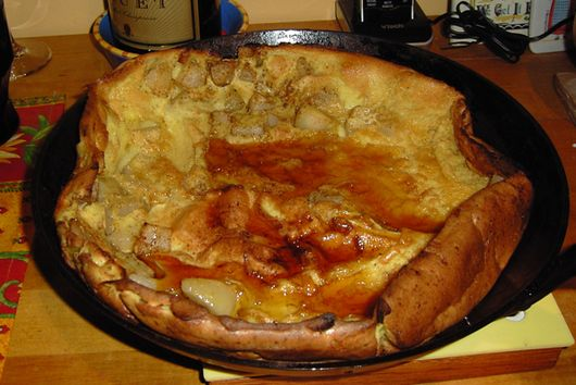 German Pancake with Pears and Cardamom