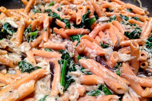 Creamy Shiitake & Spinach Pasta with Crab