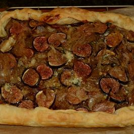 Fig and Caramelized Onion Tart