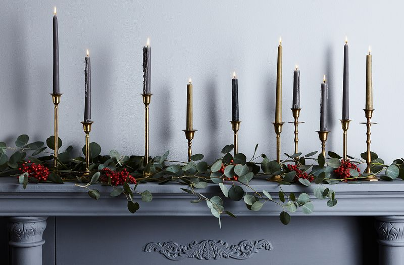 2 Ways to Decorate a Holiday Mantel (Even if You Don't Have One)