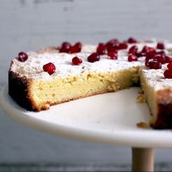 A Squidgy Swedish Cake That's Pretty Much a Brownie
