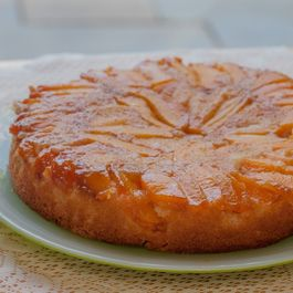 52197003 b1a8 46f0 8e50 7b3fb21de21c  peach and ginger upside down cake 480x340 2x
