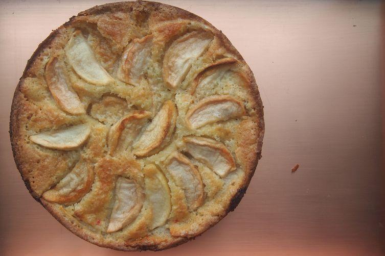 Rosh Hashanah Apple Cake