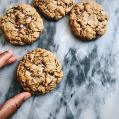 olive oil peanut butter oatmeal cookies