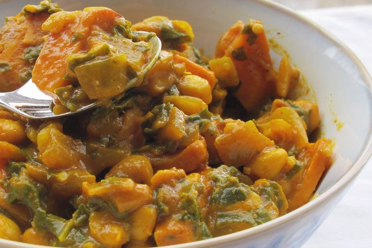 Vegan Kale and White Bean Korma