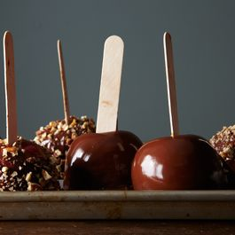 A6edcac3 7f0c 4d21 8b29 b74fef98ecde  2014 1021 how to make caramel apples 500