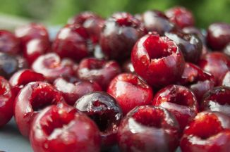 254e48b9-9bc6-4699-9708-b1f7c7a3822f.cherries_pitted_sm