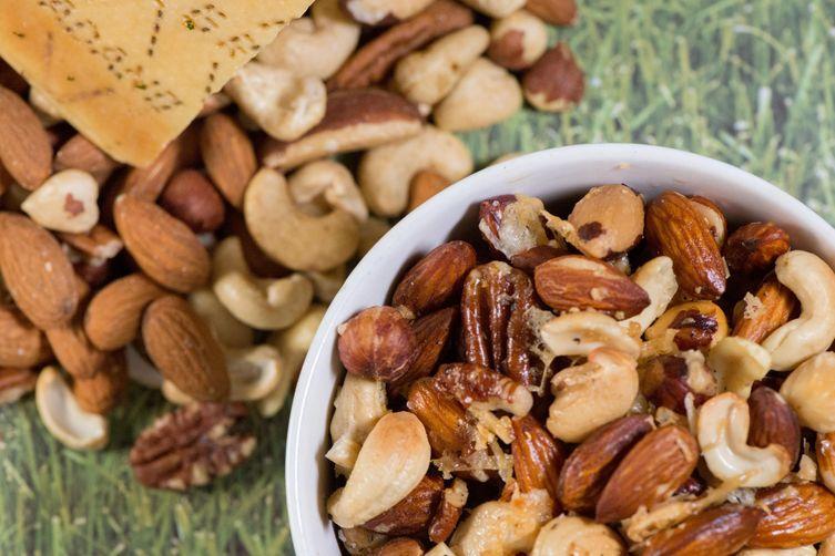 Cacio e Pepe Mixed Nuts