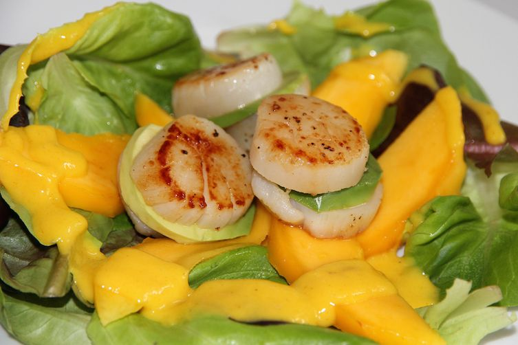 MANGO SALAD AND SCALLOP AVOCADO SANDWICH