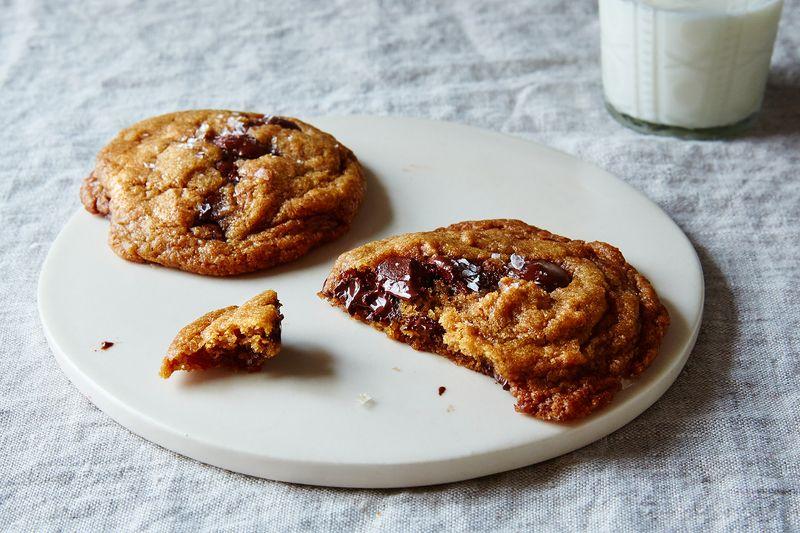 The Most Genius Chocolate Chip Cookie Recipe Is Also Vegan ...