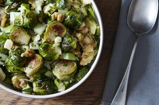 36e72b86-2667-4cfc-9511-25f0412b98d2--wfmc_roasted-brussel-sprouts-apple-chile_food52_mark_weinberg_13-12-10_0089