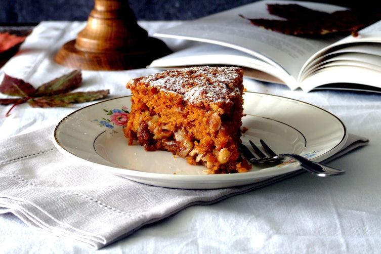 Pumpkin, almond spiced cake
