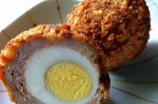 09eb6dd6-5dcc-454e-b2d6-b25360b4daf7--scotch_egg_made_with_ground_chickern