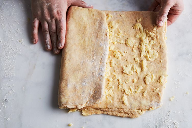 Flaky Cheddar-Parmesan Crackers