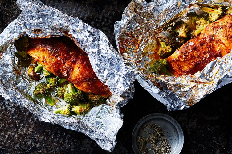 Tilapia with smoked paprika butter and broccoli in foil for Is tilapia fish good for you