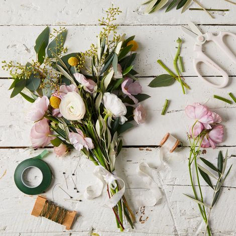 Flower Arranging Bouquet Kit