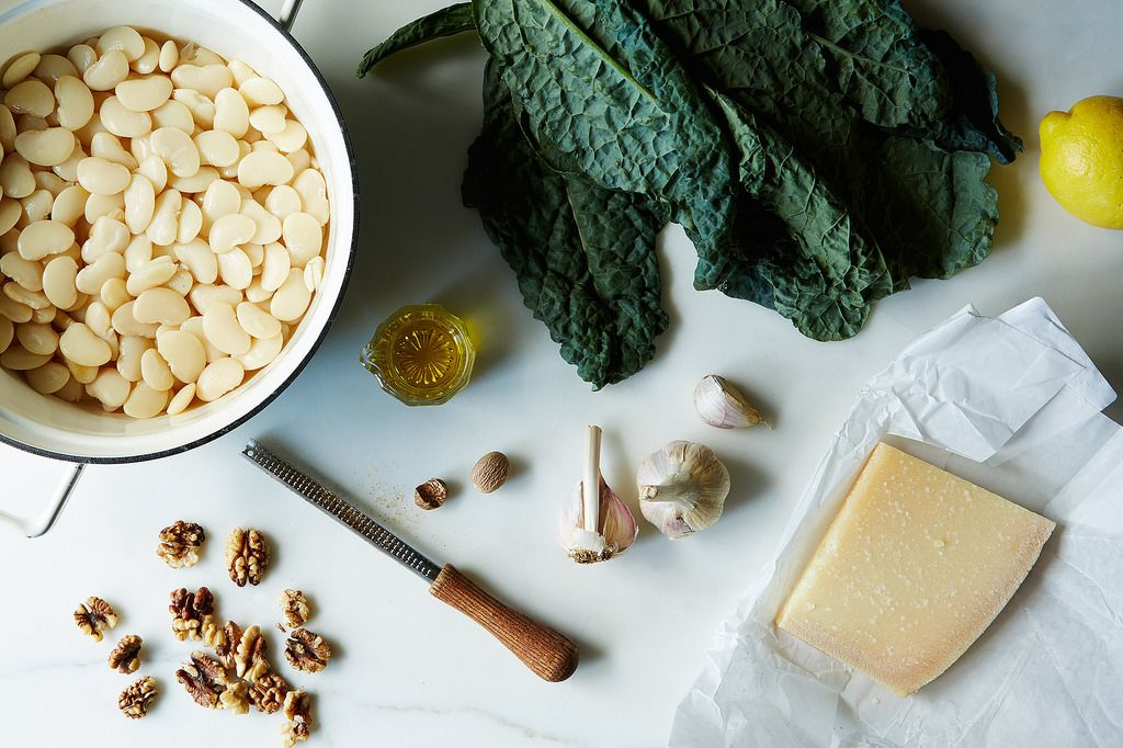 Pan-fried white beans with kale