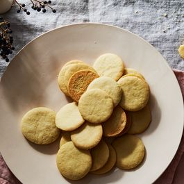 Bf7f89fd 741c 4188 9606 b4b59963e910  2016 1129 vanilla bean baking olive oil sugar cookies james ransom 396