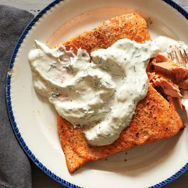 Salmon w sour cream & dill by DianaG