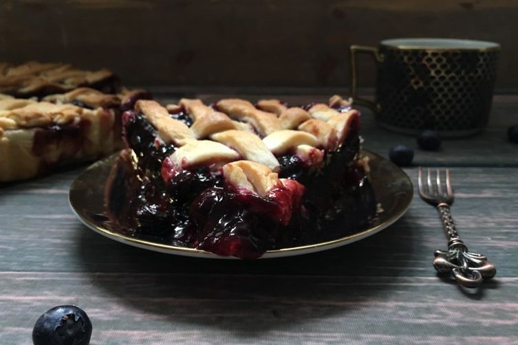 The Best Blueberry Pie… Ever! (Paleo/Vegan/Gluten-Free)