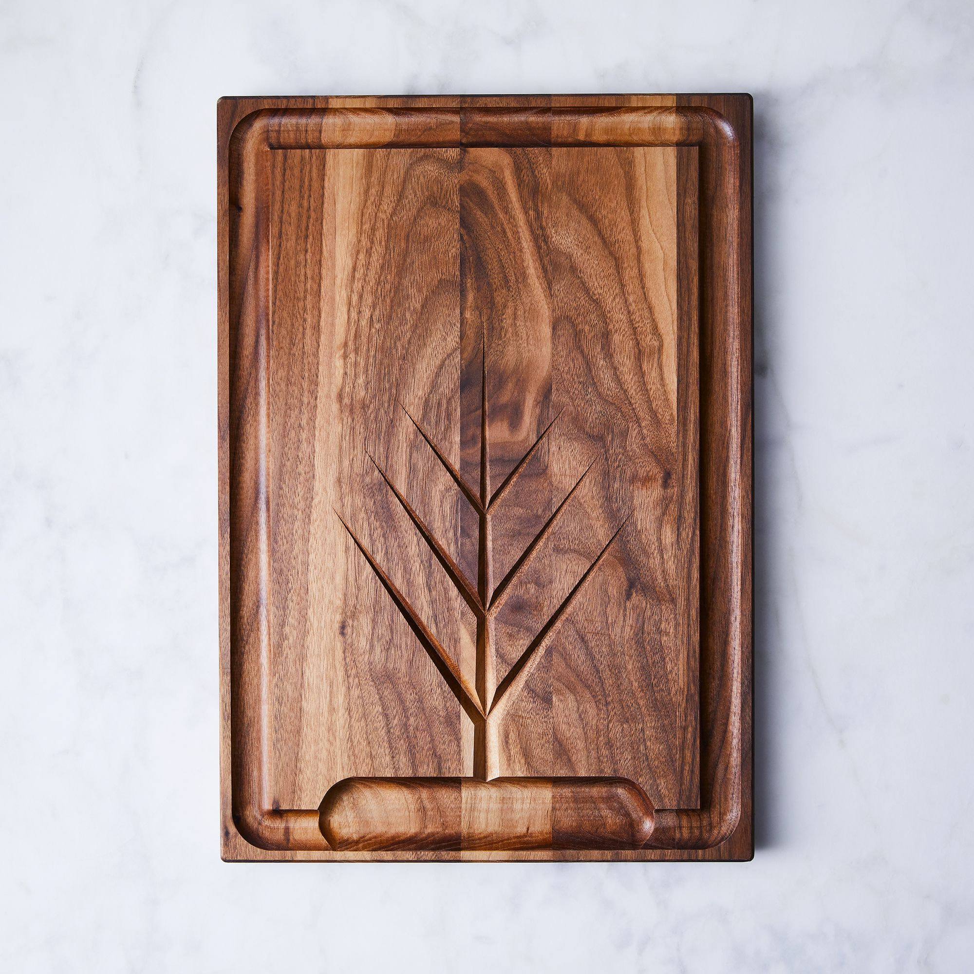 C2ca0ccd 0cc4 4d2f 8a8e 7bb512921eb8  2018 0201 jk adams walnut carving board with moat large silo ty mecham 004