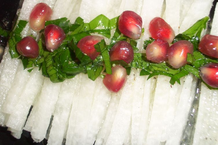 Jicama salad with pomegranate