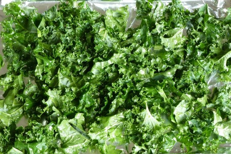 Slow Bake Kale Chips