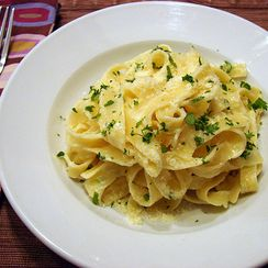 The Easiest Alfredo Sauce Ever