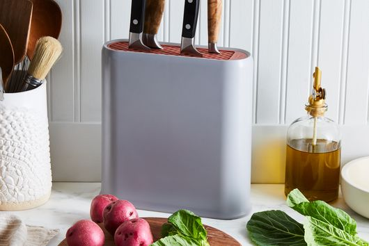 Universal Knife Block with Silicone Insert