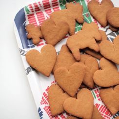 Swedish Gingersnap Cookies (Pepparkakor)