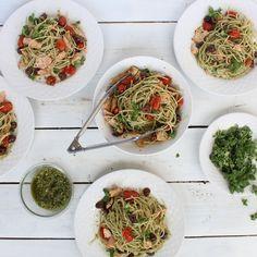 Fresh City Mediterranean Salmon Spaghetti