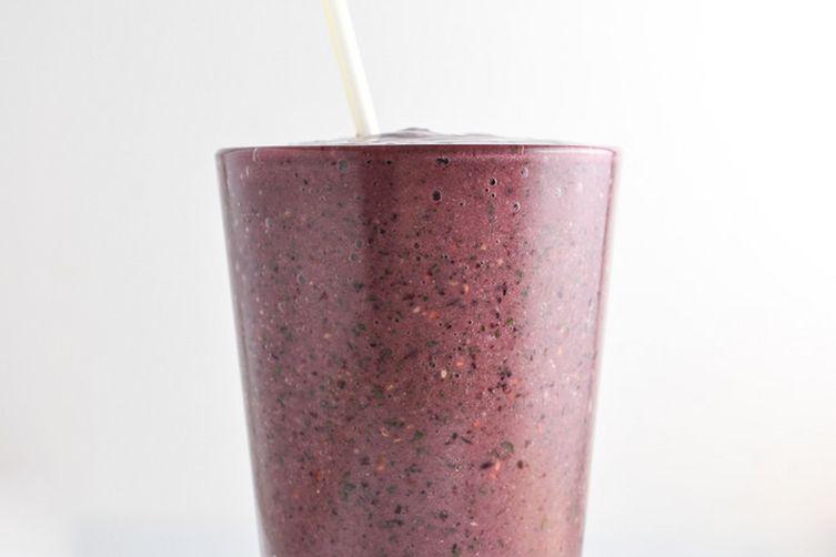 Berry Kale Breakfast Smoothie