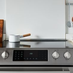 5 Ways to Make Your Kitchen More Minimalist—No Matter Your Style