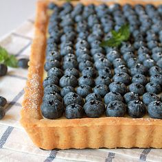 Blueberry lemon curd shortbread tart