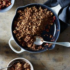 An Unfussy Crumble for Swoony Summer Fruit
