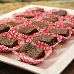 Healthy RAW (No-Bake) Brownie Bites