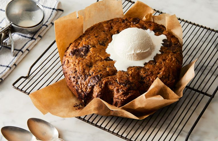 This Slow-Cooker Chocolate Chip Cookie Should Be Served With Nothing but Spoons