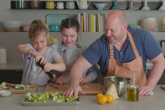 Watch Chef Dan Kluger Make the One Dish His Daughters Can't Get Enough Of