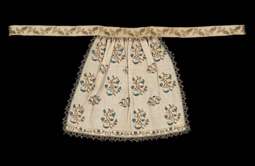 Renaissance apron
