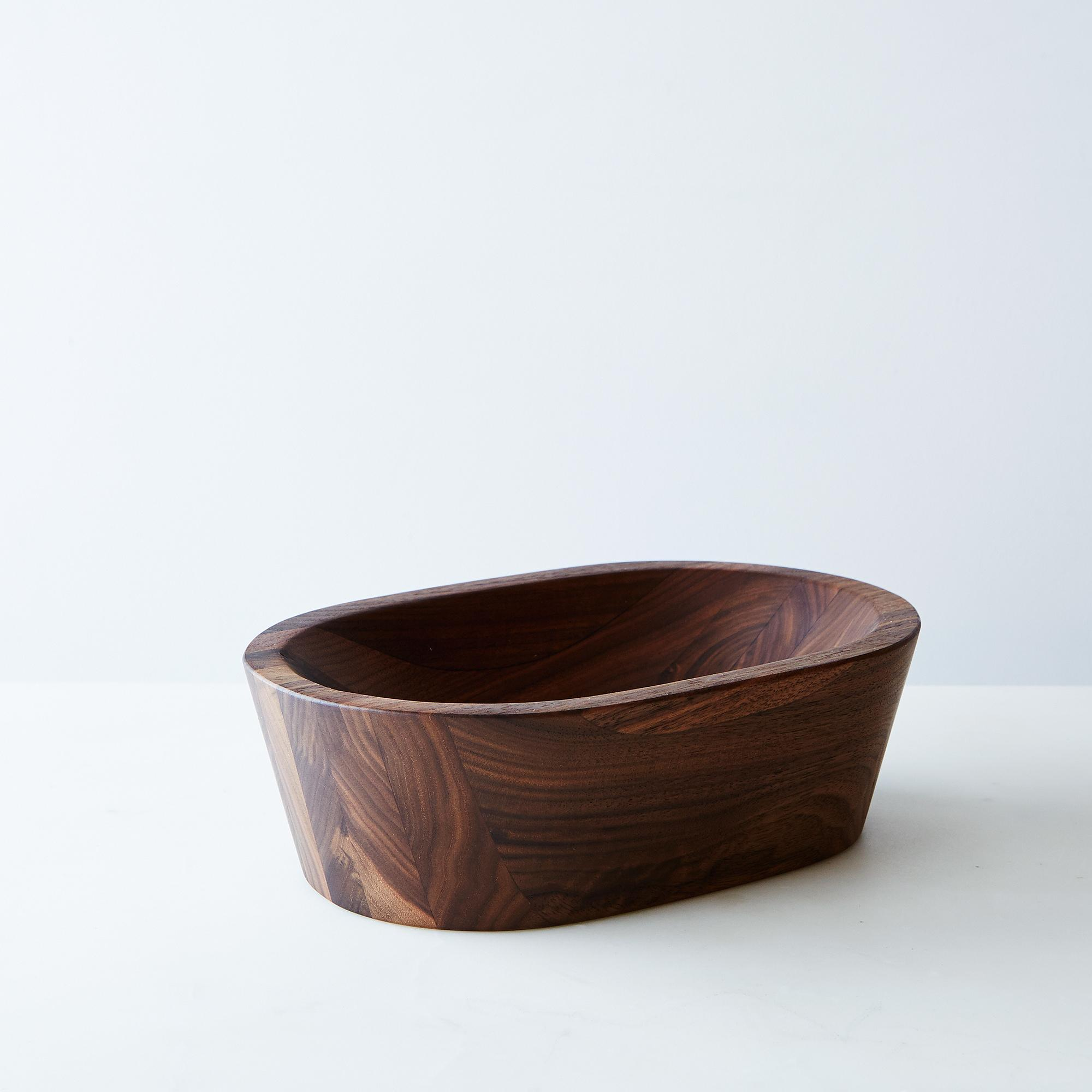 Ce8009be a0f7 11e5 a190 0ef7535729df  2015 0216 garde shop the wooden palate walnut bowl small silo bobbi lin 2976