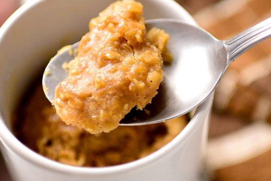 Peanut Butter Oatmeal Mugcake