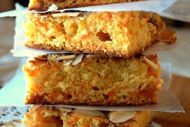 Carrot-Halwa Blondie Bars