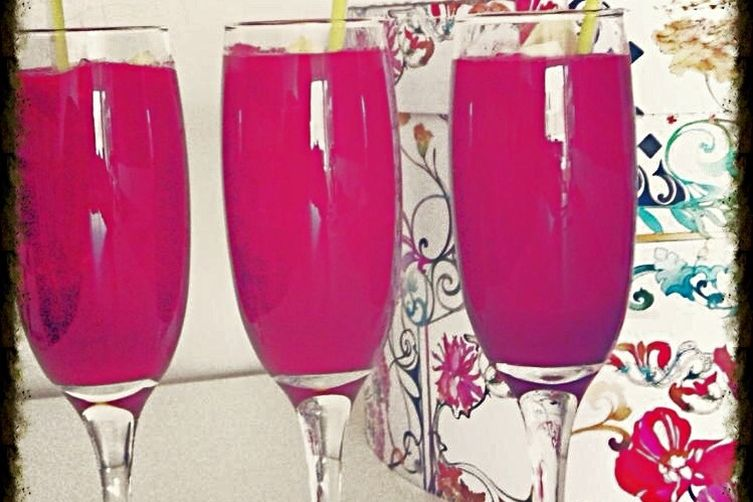 Very Stylish Red Velvet Beet Smoothie for Breakfast