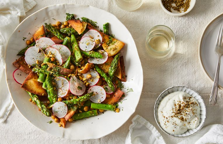 This Hearty Chickpea Fattoush Is Spring's Favorite Salad