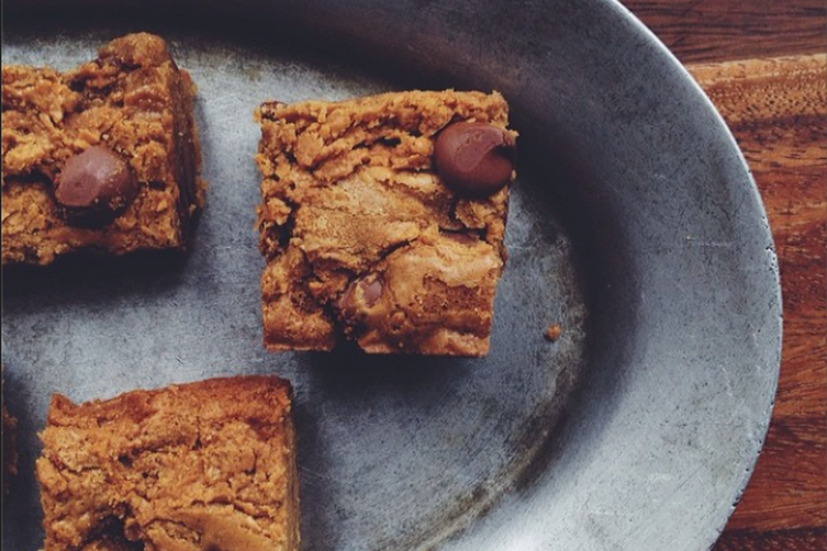 Peanut Butter Swirl Blondies